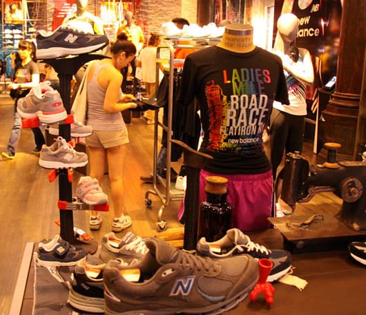 ニューヨークにオープンした北米初のニュー・バランス体験店舗_b0007805_21185426.jpg
