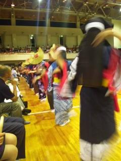 西馬音内盆踊り 体育館_d0005807_7191542.jpg