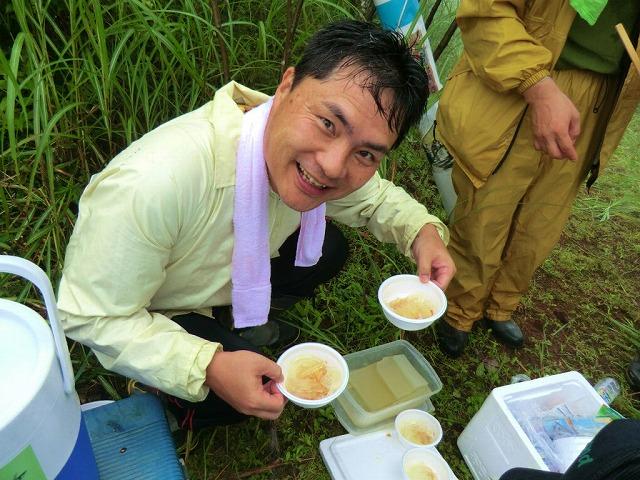東京から多くの人が参加する富士山国有林の下草刈り_f0141310_7552685.jpg