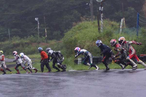 2011エビスミニバイク4時間耐久レース その2_d0067418_14244560.jpg