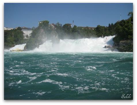 週末旅行 ラインの滝(Rheinfall)_b0168823_20142946.jpg