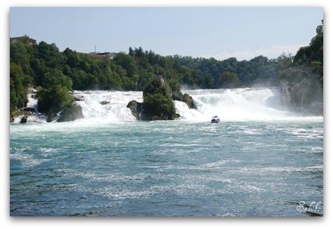 週末旅行 ラインの滝(Rheinfall)_b0168823_207980.jpg