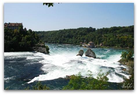 週末旅行 ラインの滝(Rheinfall)_b0168823_2092742.jpg