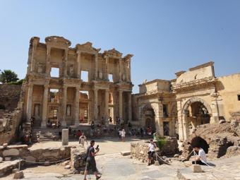 トルコ旅行 数々の遺跡_e0109554_1882420.jpg