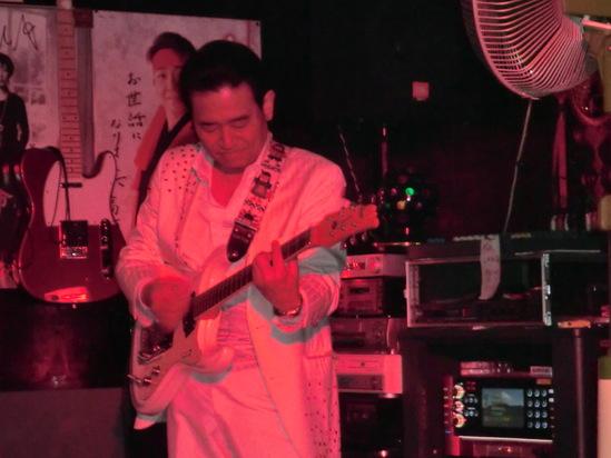 ミュージックハウス ライブ_e0119092_1152368.jpg