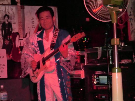 ミュージックハウス ライブ_e0119092_1153037.jpg