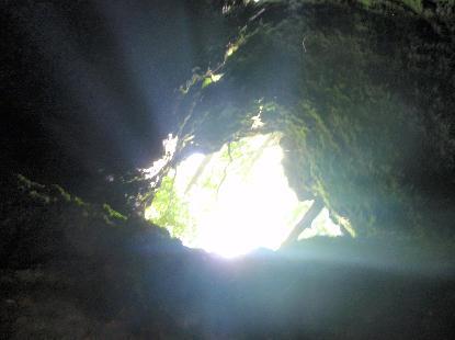 タイムカプセル洞窟_e0077899_6494243.jpg
