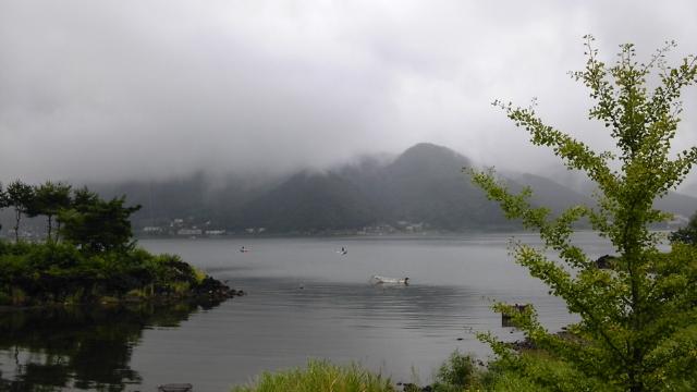 霧の河口湖へ!_d0246243_132674.jpg