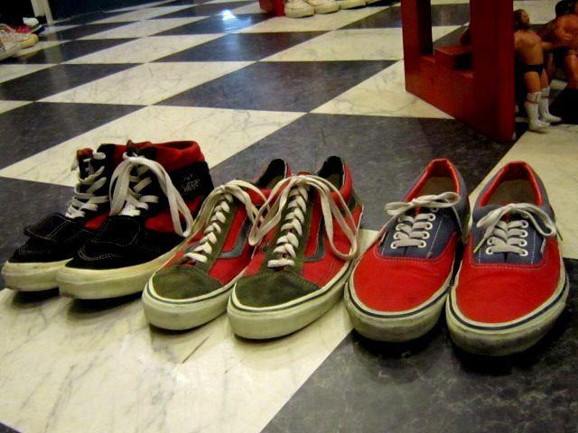 RED TWO TONE VANS × 3。_c0078333_19321891.jpg