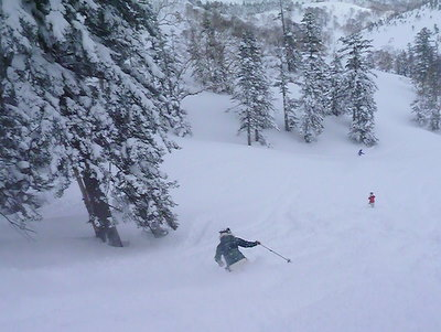【滑走レポ30 2011.3.10】 今日は3月の新雪パウダー滑り込みの日@かぐら_e0037849_8443674.jpg