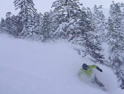 【滑走レポ30 2011.3.10】 今日は3月の新雪パウダー滑り込みの日@かぐら_e0037849_8444493.jpg