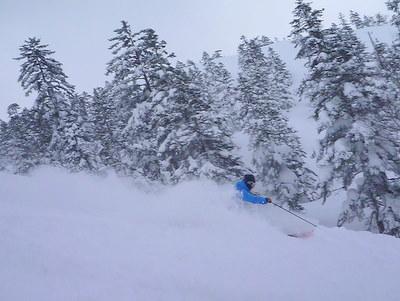 【滑走レポ30 2011.3.10】 今日は3月の新雪パウダー滑り込みの日@かぐら_e0037849_8445428.jpg