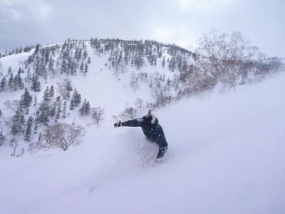 【滑走レポ30 2011.3.10】 今日は3月の新雪パウダー滑り込みの日@かぐら_e0037849_845158.jpg