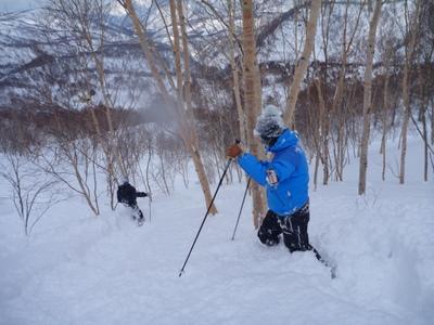 【滑走レポ30 2011.3.10】 今日は3月の新雪パウダー滑り込みの日@かぐら_e0037849_8452576.jpg