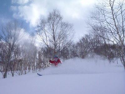 【滑走レポ30 2011.3.10】 今日は3月の新雪パウダー滑り込みの日@かぐら_e0037849_8453523.jpg