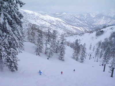 【滑走レポ30 2011.3.10】 今日は3月の新雪パウダー滑り込みの日@かぐら_e0037849_845420.jpg