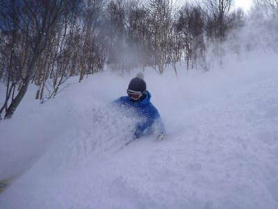 【滑走レポ30 2011.3.10】 今日は3月の新雪パウダー滑り込みの日@かぐら_e0037849_8455623.jpg