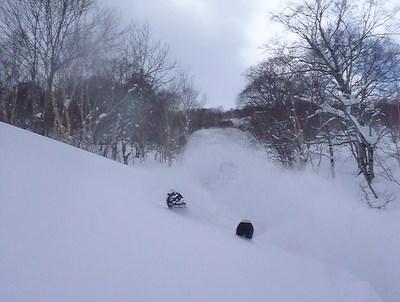 【滑走レポ30 2011.3.10】 今日は3月の新雪パウダー滑り込みの日@かぐら_e0037849_847891.jpg