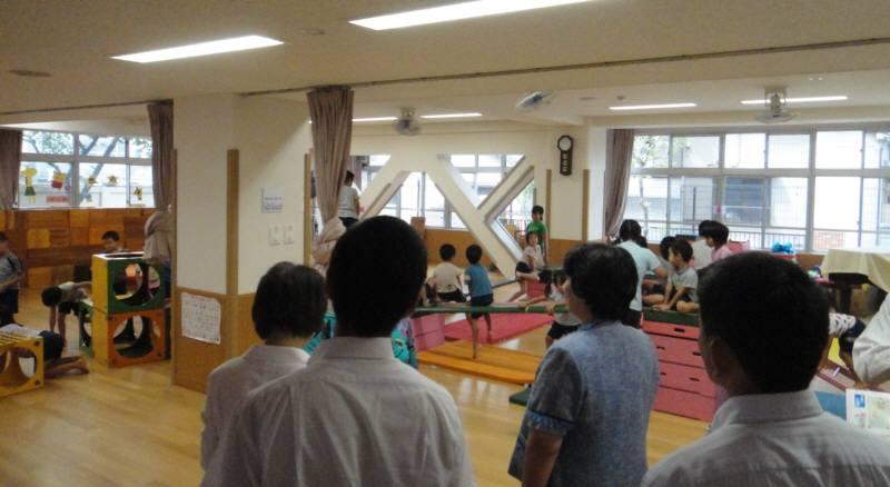 厚生委員会で台東区のこども園を視察_f0059673_1921138.jpg