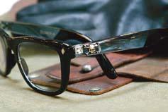 手軽に気軽にそして、生活を楽しめる老眼鏡「リーディンググラス」_d0221774_20541360.jpg