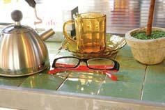 手軽に気軽にそして、生活を楽しめる老眼鏡「リーディンググラス」_d0221774_2054411.jpg