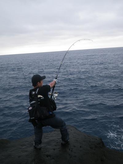 沖縄 離島遠征 磯からGTを狙う!!(その5) _a0153216_11502433.jpg