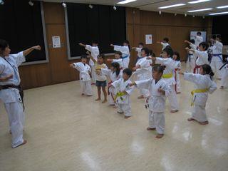 手稲教室 10人組手の研究!_c0118332_21544738.jpg
