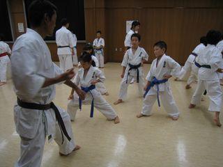 手稲教室 10人組手の研究!_c0118332_2156671.jpg