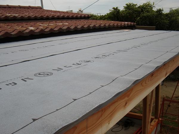 増築工事 ~ 屋根は_d0165368_7534779.jpg