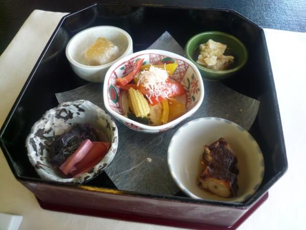 金沢 : 日航ホテル「弁慶」のお昼ごはんがリーズナブル_e0152073_0502052.jpg