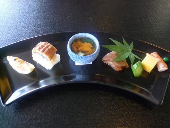 金沢 : 日航ホテル「弁慶」のお昼ごはんがリーズナブル_e0152073_1163658.jpg