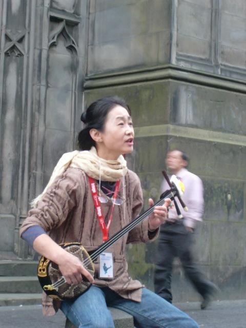 日本の音楽を、遠くはスコットランドで …_c0027188_3443462.jpg