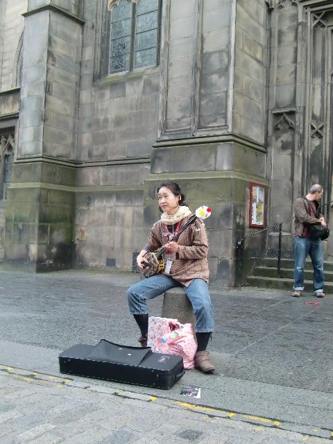 日本の音楽を、遠くはスコットランドで …_c0027188_3534313.jpg