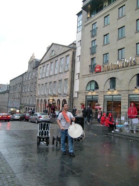 日本の音楽を、遠くはスコットランドで …_c0027188_3592739.jpg