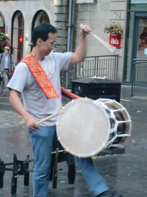 日本の音楽を、遠くはスコットランドで …_c0027188_405125.jpg