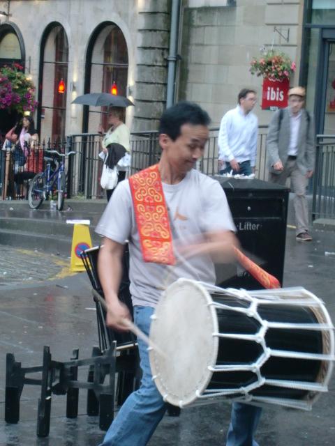 日本の音楽を、遠くはスコットランドで …_c0027188_40627.jpg