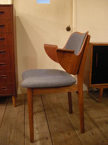 Chair (DENMARK) & お知らせ_c0139773_19163876.jpg
