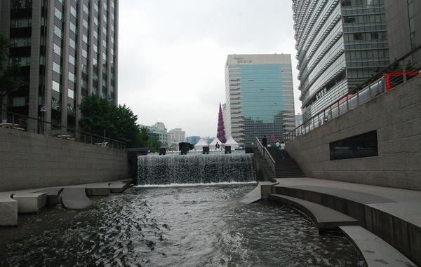 ソウル・清渓川にて_e0098241_15163212.jpg