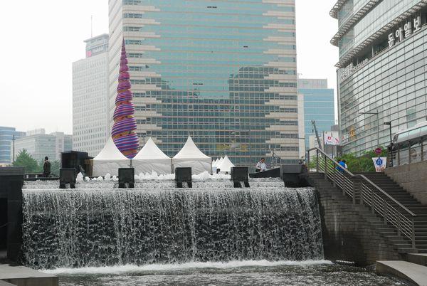 ソウル・清渓川にて_e0098241_15523735.jpg
