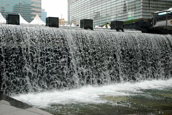 ソウル・清渓川にて_e0098241_15525283.jpg
