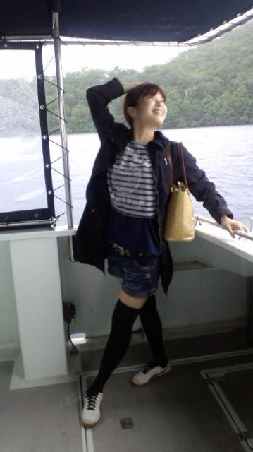 船の上でポーズ!_e0114246_031882.jpg