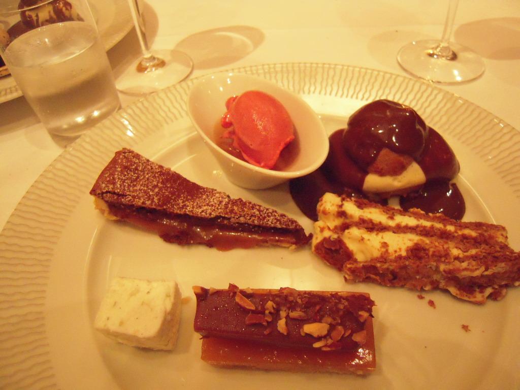 Restaurant le Coquillage レストラン・ル・コキヤージュ_a0066869_7263798.jpg