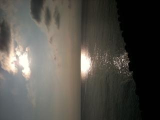 今日は出張で千葉海岸線にきてます、また旅に出たくなるなあ_b0048882_16403082.jpg