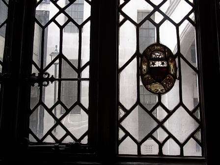 リバティーの窓は何を見た?_d0127182_17352816.jpg