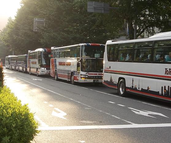 8/28新宿に西郡観光2台_e0004218_20271251.jpg