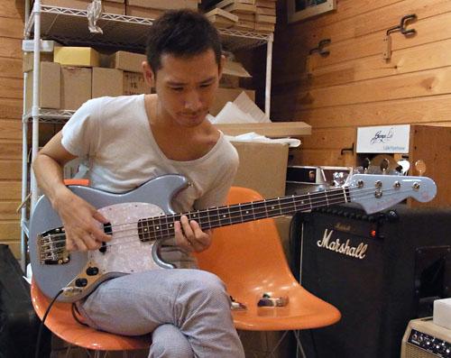 「クラムボン ミトさん」の「Gastank Bass試奏レポート」!?_e0053731_17505579.jpg