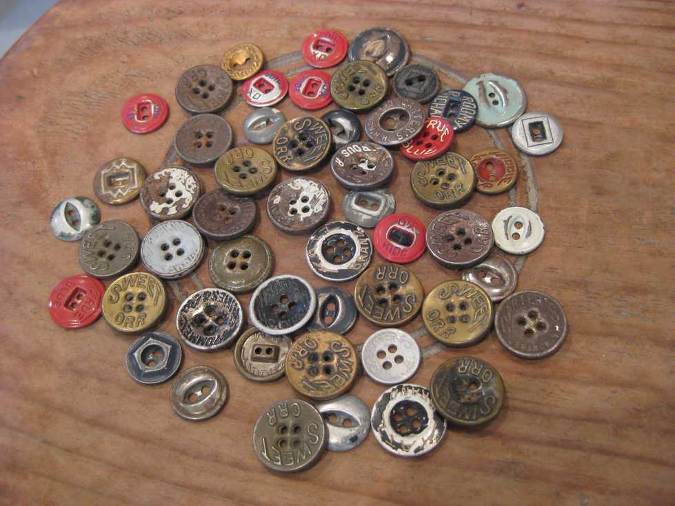 VINTAGE WORK METAL BUTTONS_e0187362_11194420.jpg