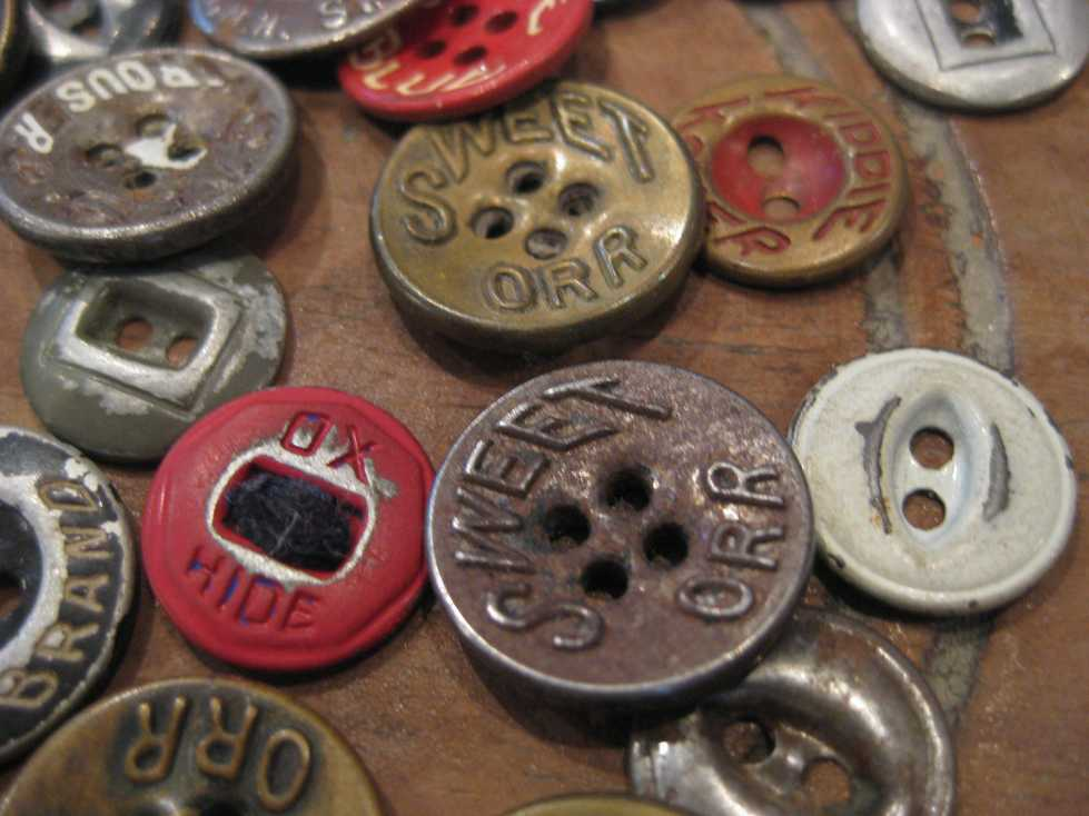 VINTAGE WORK METAL BUTTONS_e0187362_11195342.jpg