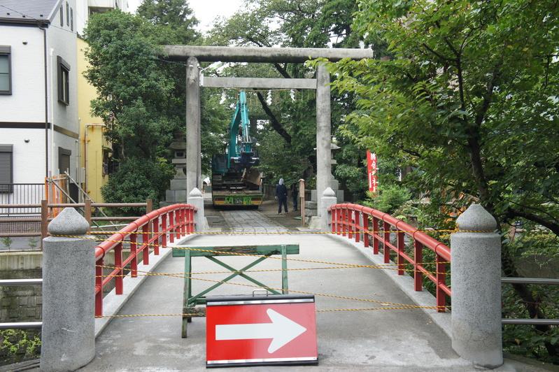 松戸神社 参道解体工事  2011.8.23 _e0223769_12293259.jpg