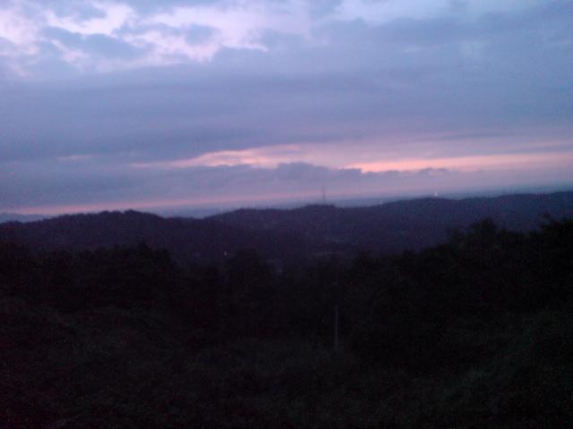 オシロイバナと夕焼け空。_d0182179_20252758.jpg
